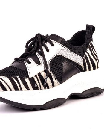 Ténis zebra com pêlo