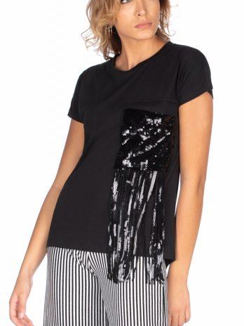 T-shirt com bolso e lantejoulas