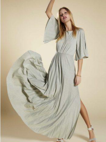 Vestido plissado manga larga