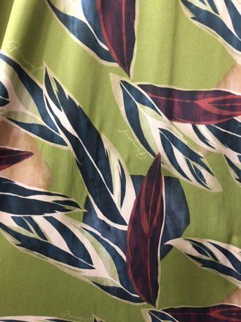 Vestido malha de seda com atilho no decote