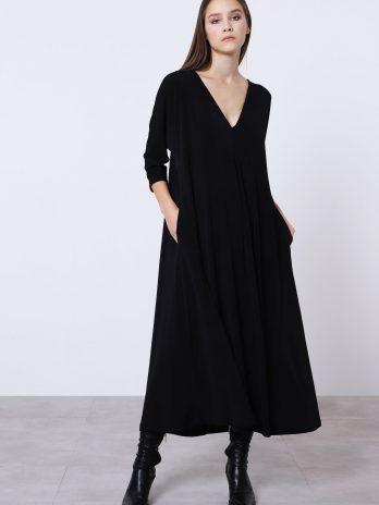 Vestido solto com corrente