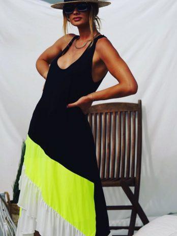 Vestido tripla cor com folhos
