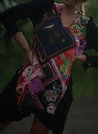 Vestido midi estampado folhos manga
