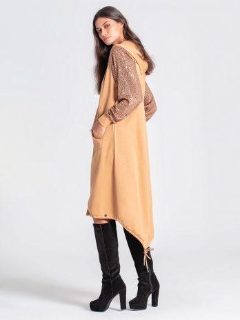 Casaco / vestido capuz e lantejoulas